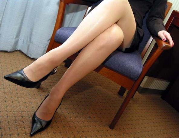 【美脚画像】交差した美脚は太股から爪先までイヤらしすぎる件www 12