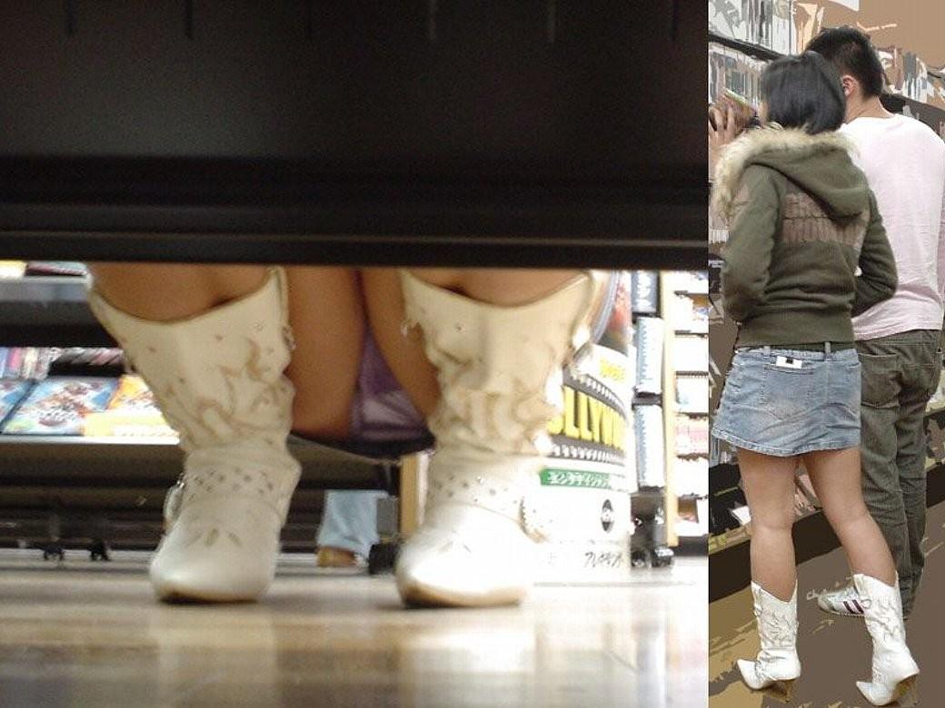 【パンチラ画像】陳列棚の向こう側から女の股間をじっくり隠撮www 11