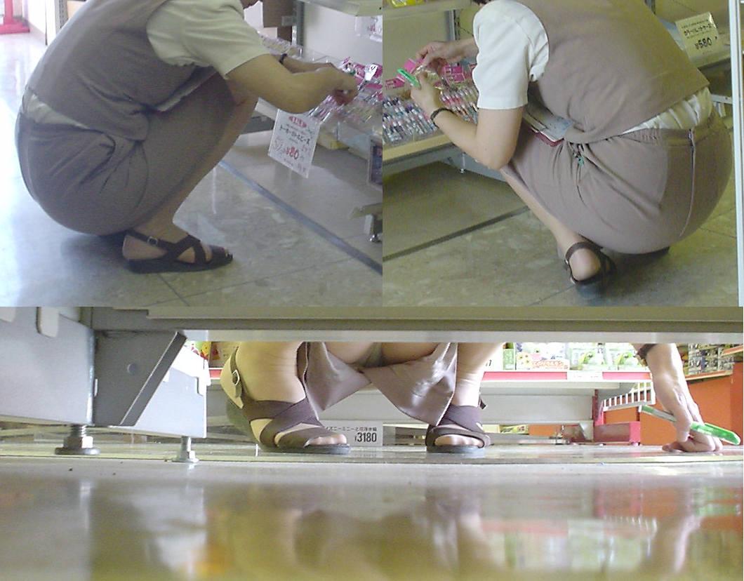 【パンチラ画像】陳列棚の向こう側から女の股間をじっくり隠撮www 19