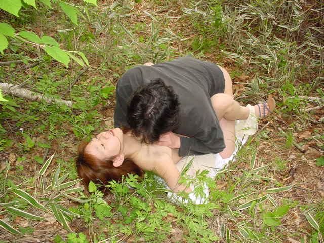 【マニア画像】閲覧注意・AVで見た絶対真似できない壮絶なレイプシーンの画像 01