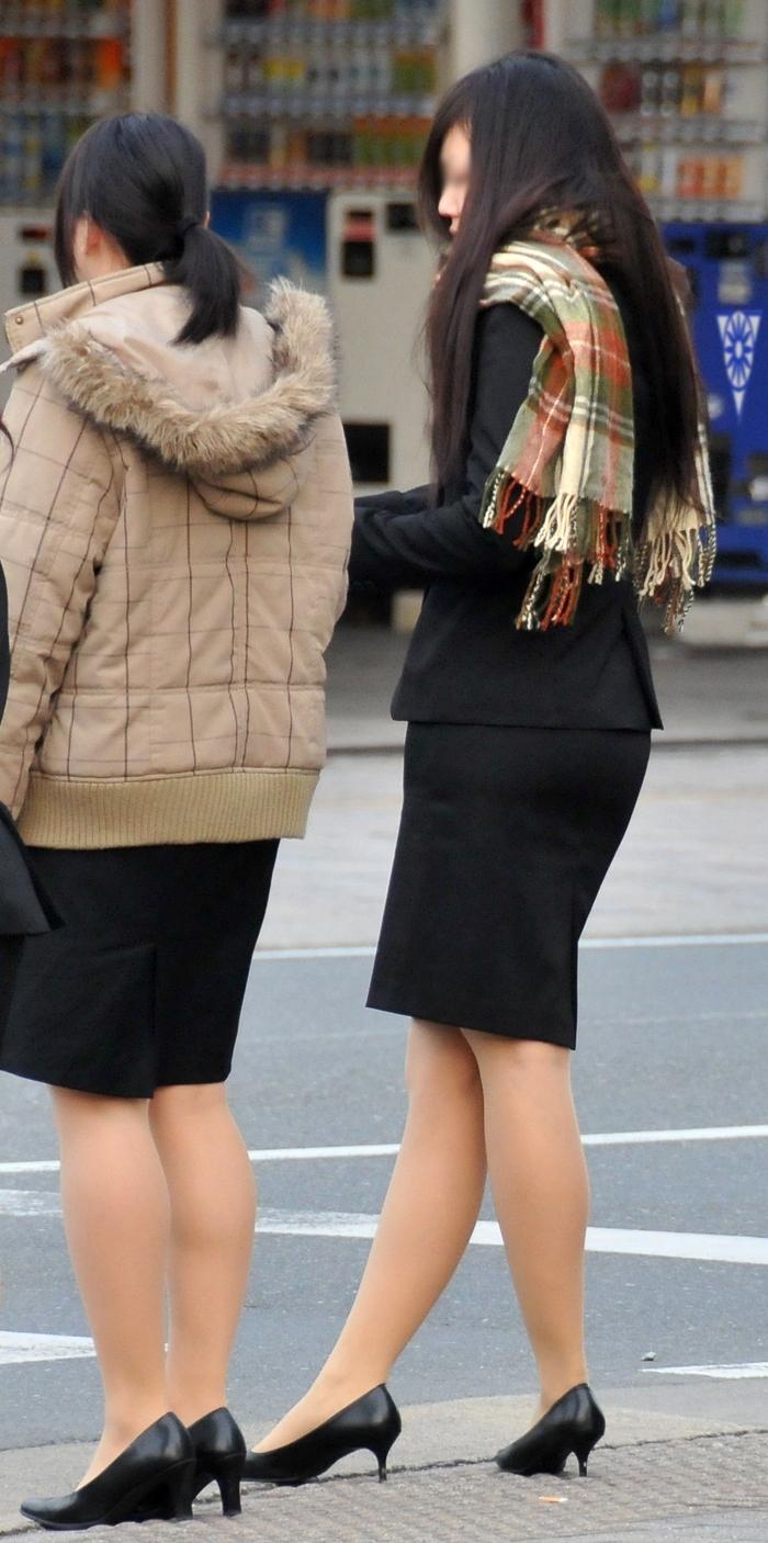 【街撮りスーツ画像】外回り女子のタイトに包まれたムッチリエロ尻追いかけてwww 03