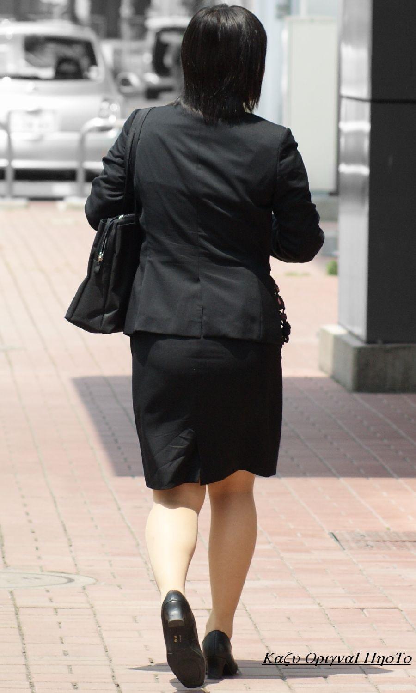 【街撮りスーツ画像】外回り女子のタイトに包まれたムッチリエロ尻追いかけてwww 06