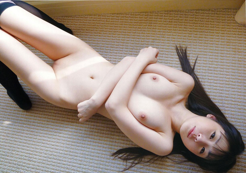 【フェチ画像】危うい感じのツルツルwwwロリ顔美少女のパイパン画像 02