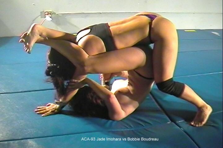 【キャットファイト画像】女同士で攻撃的に絡み合ってるキャットファイト画像 15