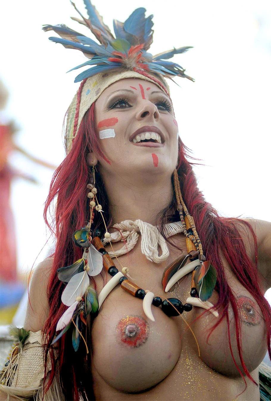 【外人エロ画像】公認猥褻ですw乳首露出しまくりの情熱サンバカーニバル 02