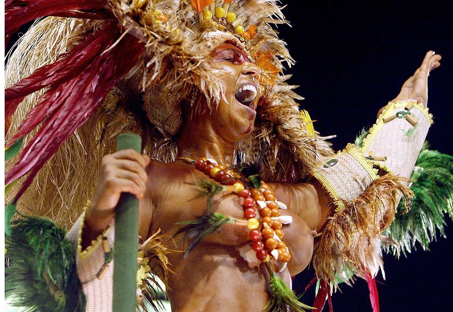 【外人エロ画像】公認猥褻ですw乳首露出しまくりの情熱サンバカーニバル 04