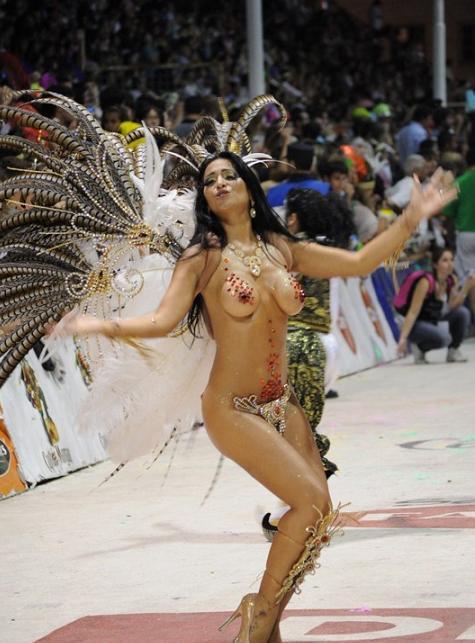 【外人エロ画像】公認猥褻ですw乳首露出しまくりの情熱サンバカーニバル 15