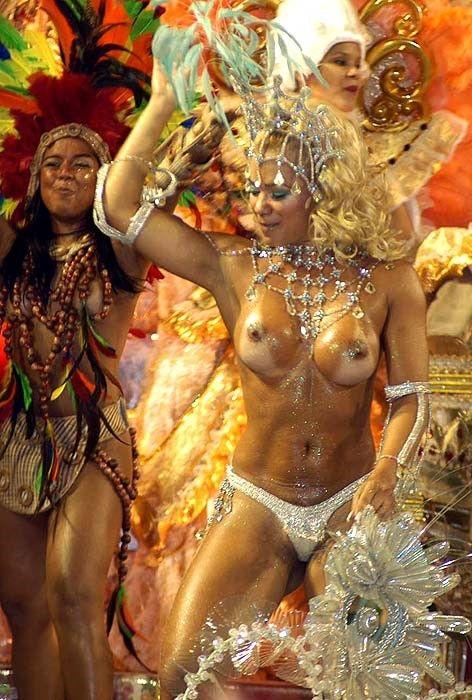 【外人エロ画像】公認猥褻ですw乳首露出しまくりの情熱サンバカーニバル 18