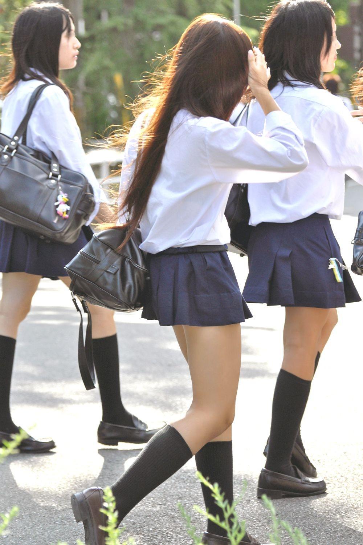 【JK街撮り】登下校中のJKたちの若き生脚に癒されて朝を迎えましょうwww 06