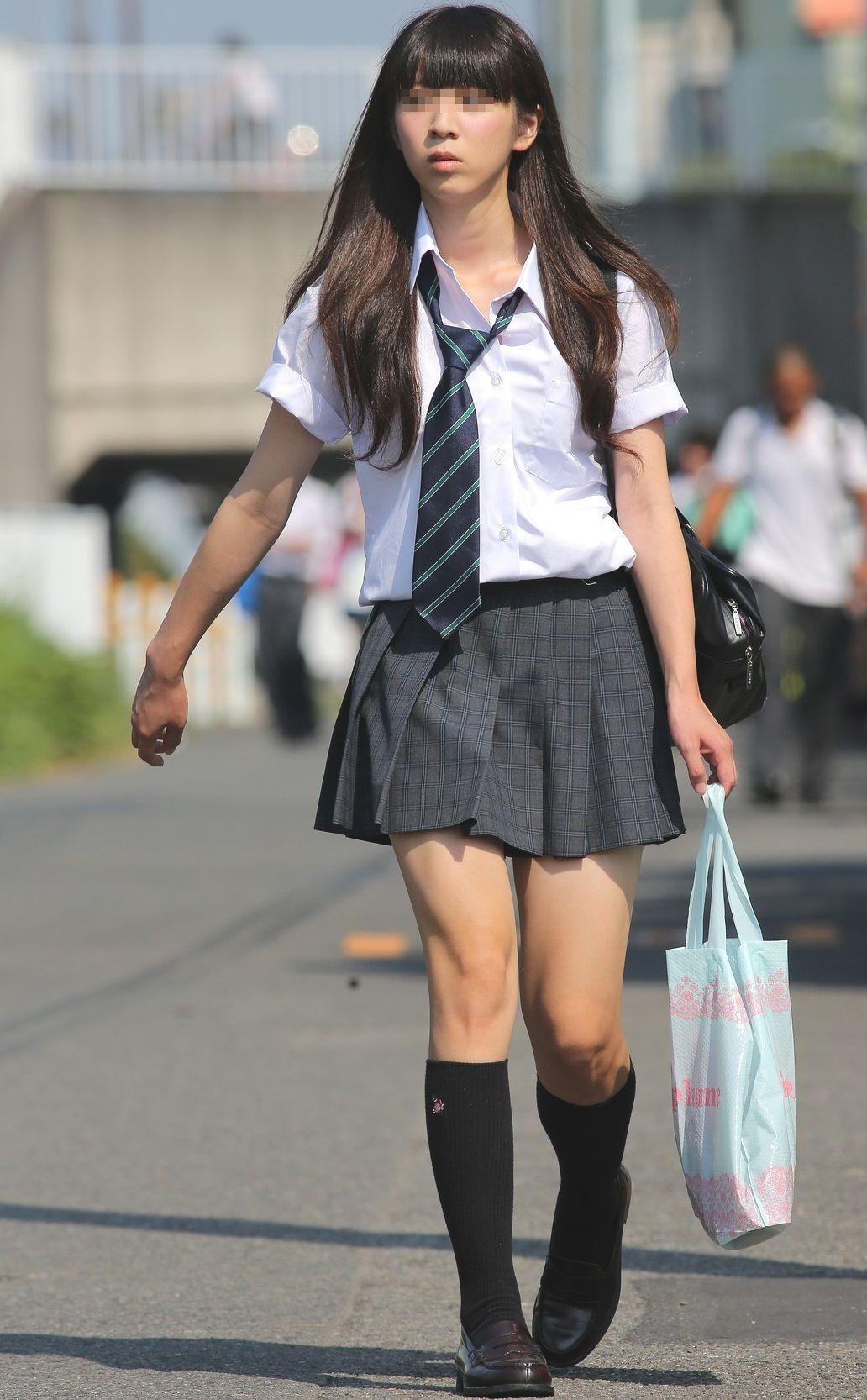 【JK街撮り】登下校中のJKたちの若き生脚に癒されて朝を迎えましょうwww 08