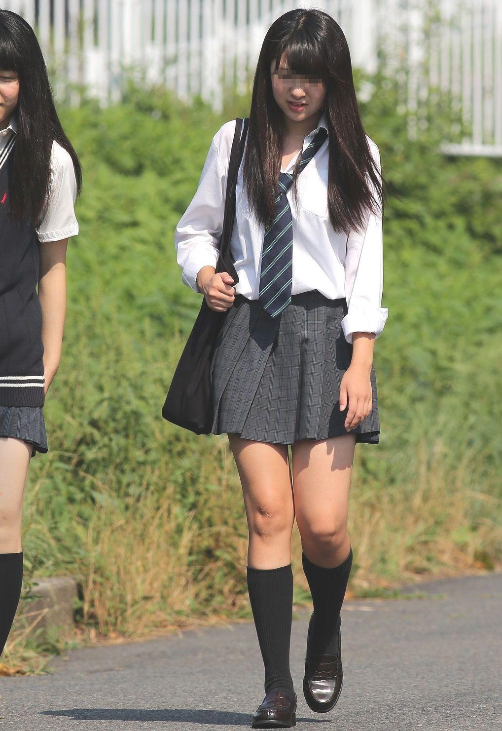 【JK街撮り】登下校中のJKたちの若き生脚に癒されて朝を迎えましょうwww 09