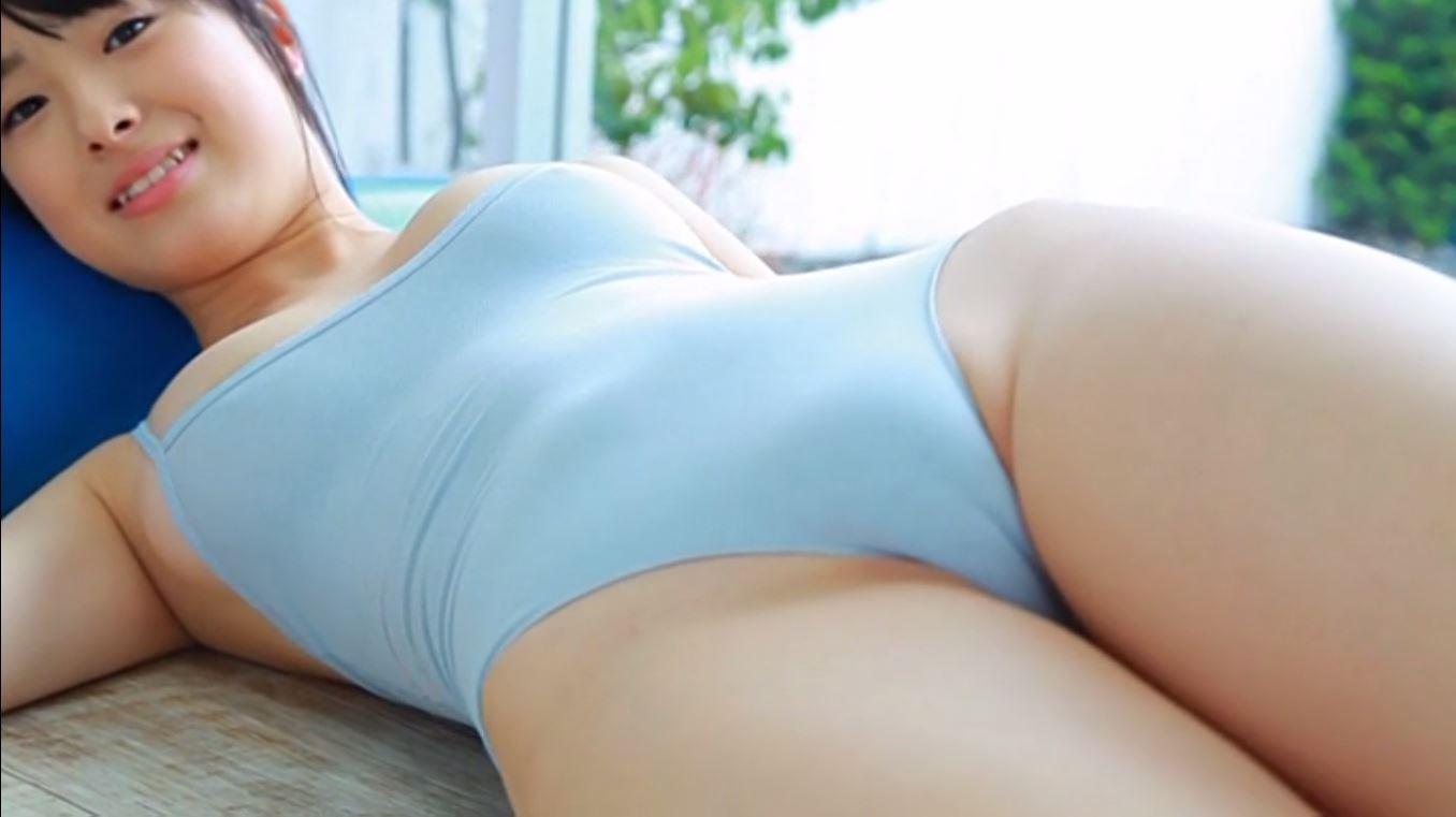【女の股間フェチ】水着を着た女子の股間の盛り&スジっぷりはとても危険と思い知る画像 17