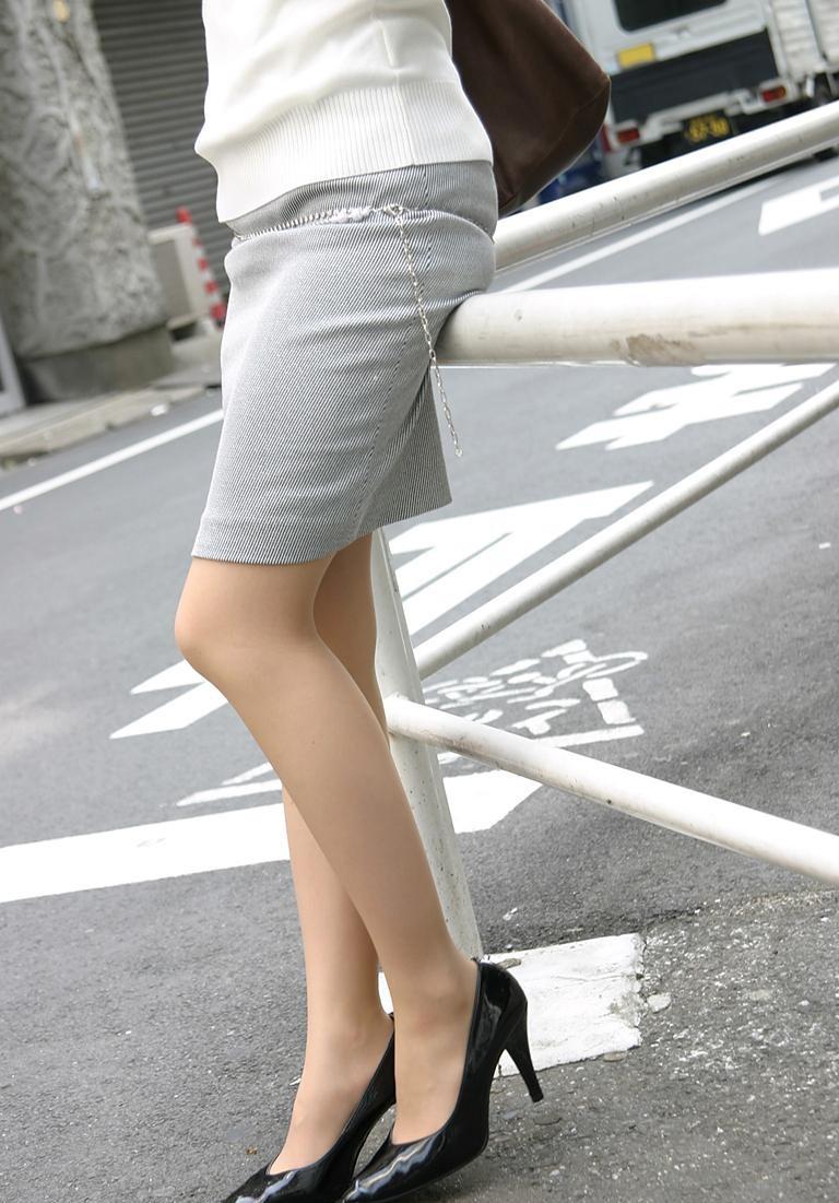 【OL美脚画像】街行く働くお姉さんのパンスト脚が美しい割合は限りなく高いwww 02