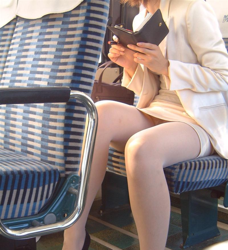 【OL美脚画像】街行く働くお姉さんのパンスト脚が美しい割合は限りなく高いwww 05
