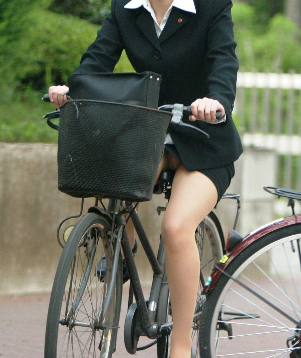 【OL美脚画像】街行く働くお姉さんのパンスト脚が美しい割合は限りなく高いwww 09