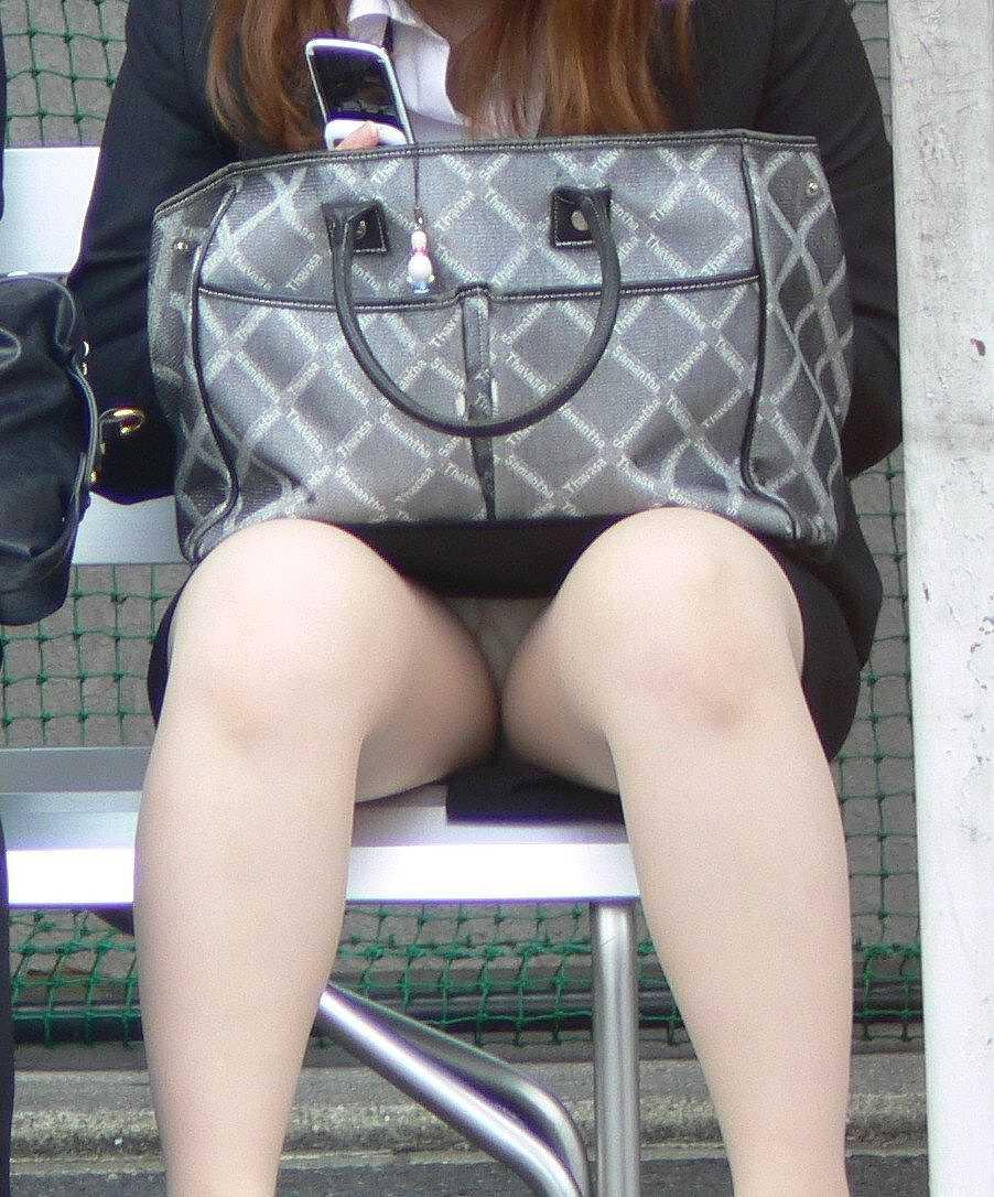 【OL美脚画像】街行く働くお姉さんのパンスト脚が美しい割合は限りなく高いwww 11