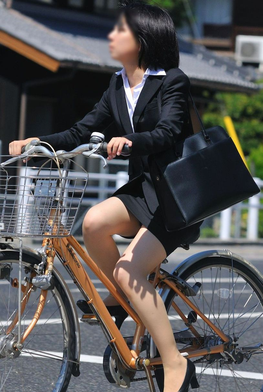 【OL美脚画像】街行く働くお姉さんのパンスト脚が美しい割合は限りなく高いwww 19