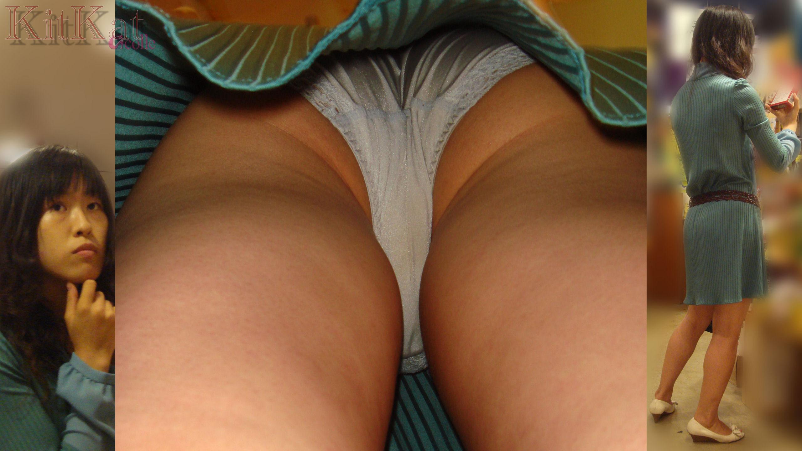 【パンチラ画像】下着覗かれた上にシミや汚れまで暴かれてもう赤っ恥www逆さパンチラ画像 17