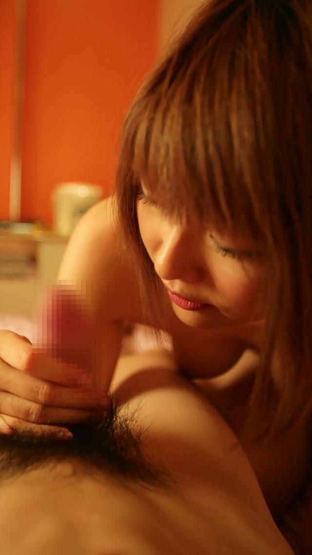 【手コキエロ画像】自分でするとと全然違うwww女の子がこっち見ながらしてくれる手コキ 11
