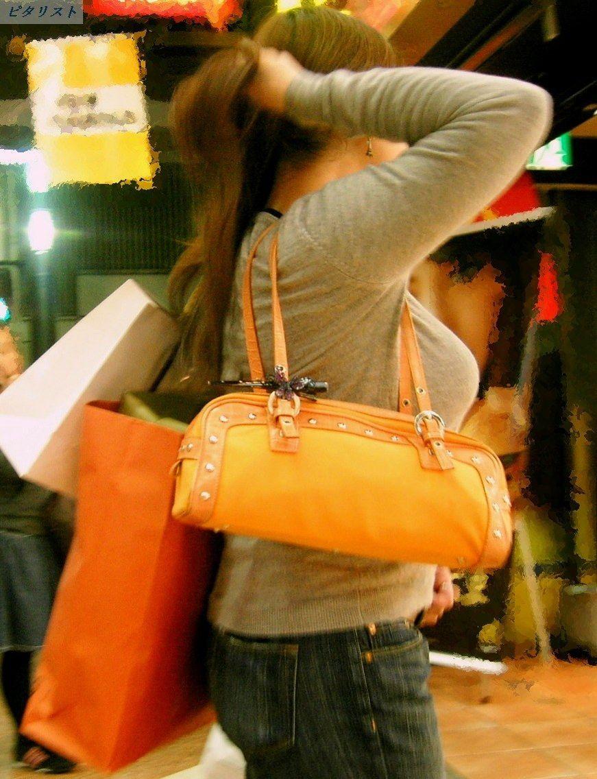 【着衣巨乳エロ画像】デカすぎて隠せない着衣巨乳www街で見かけたインパクト大な素人女子の乳袋  20