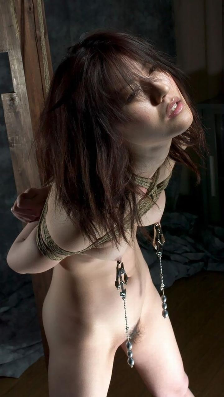 【SMエロ画像】拷問なうwww緊縛・拘束に痛みを感じつつも被虐の快感に溺れたM女たち  02