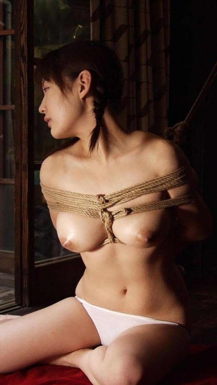 【SMエロ画像】拷問なうwww緊縛・拘束に痛みを感じつつも被虐の快感に溺れたM女たち  09