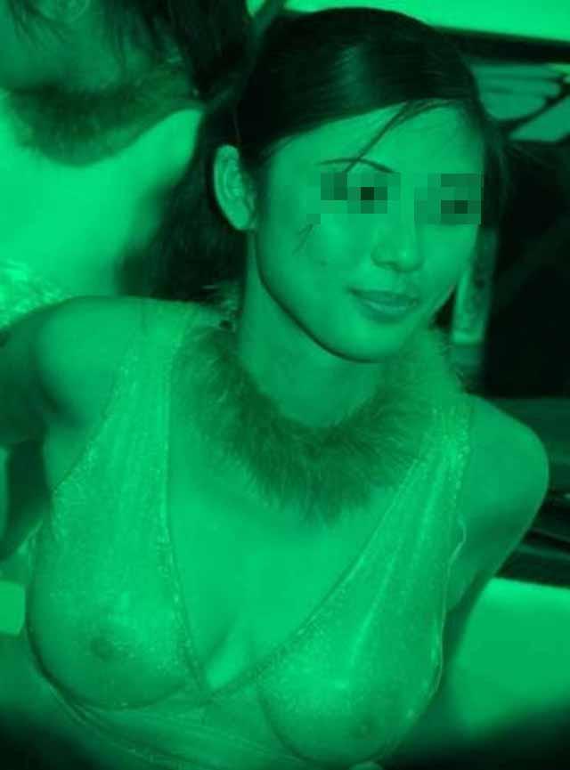 【赤外線エロ画像】透けすぎでヤバすぎるwww好評につき危険すぎる赤外線レンズの向こう側再び  17