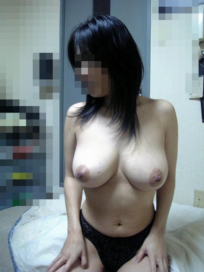 【素人巨乳エロ画像】侮れない巨乳を持った素人女子たちが見せた特盛りの生乳で今夜も暴発www  02