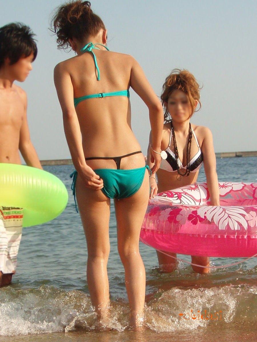 【水着エロ画像】水着までハミパン文化が浸透wwwTバックショーツ丸出しのビキニギャル達  06