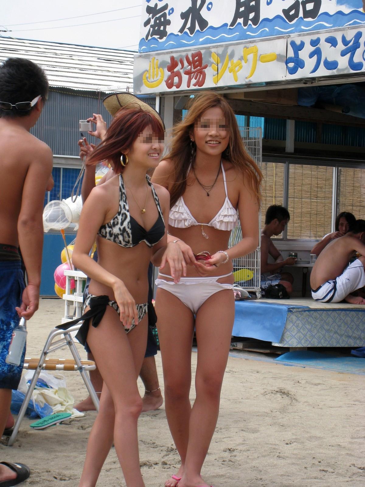 【水着エロ画像】水着までハミパン文化が浸透wwwTバックショーツ丸出しのビキニギャル達  08