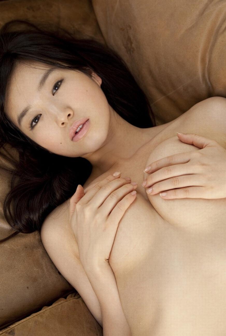 【フェチエロ画像】乳首をギリで隠した状態が見えているときよりも抜けてしまう件www  13