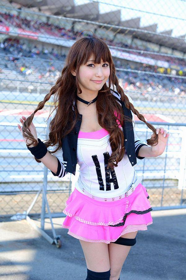 【RQ・キャンギャルエロ画像】スタイル出してこんな衣装じゃ欲情されて当然なRQ・キャンギャル達  01