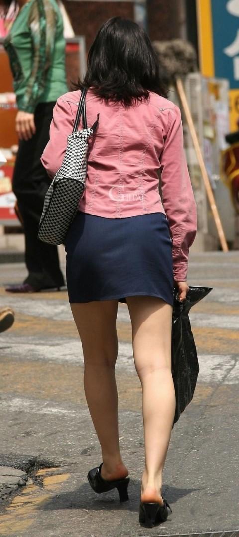 【街撮り美脚エロ画像】視線はずっと下半身wその美脚だけで勃ちそうな素人が増加中www  02