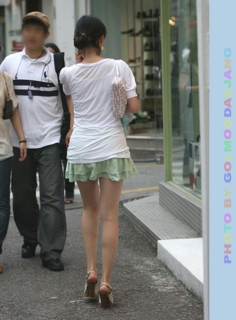 【街撮り美脚エロ画像】視線はずっと下半身wその美脚だけで勃ちそうな素人が増加中www  03