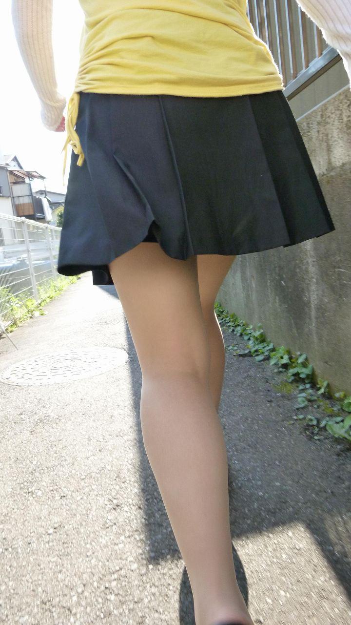 【美脚エロ画像】生脚でなくても十分ですwww大人の女の艶めかしいストッキング美脚  07