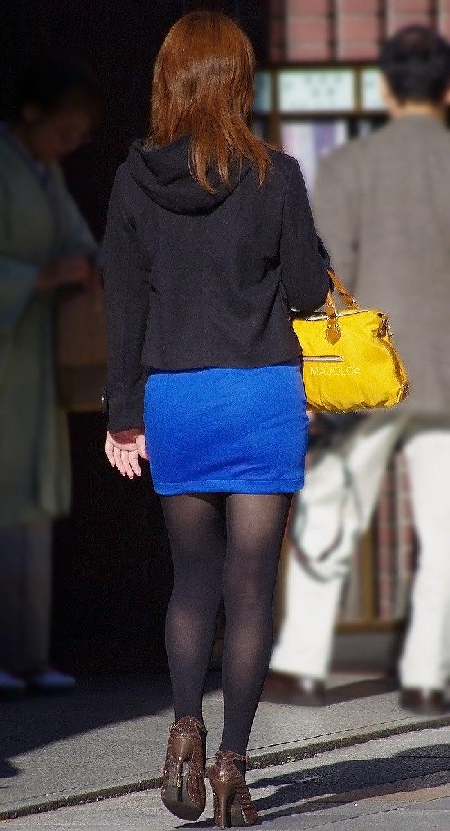 【美脚エロ画像】生脚でなくても十分ですwww大人の女の艶めかしいストッキング美脚  10