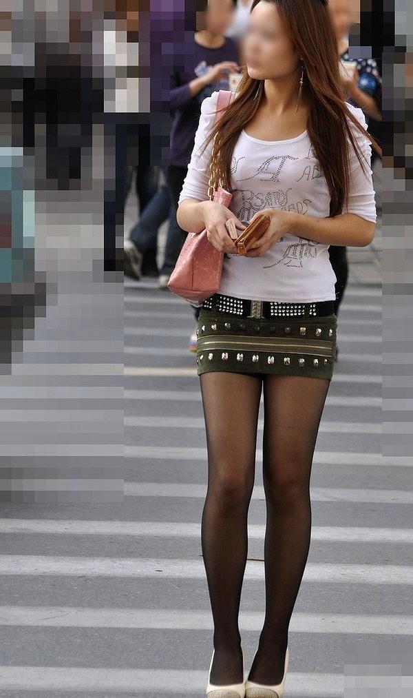 【美脚エロ画像】生脚でなくても十分ですwww大人の女の艶めかしいストッキング美脚  14