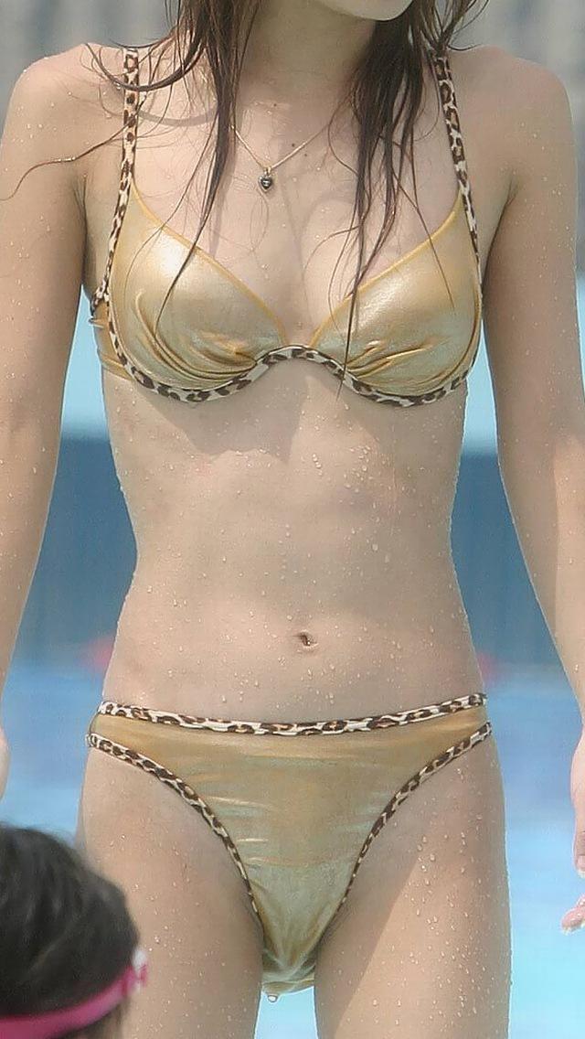 【水着エロ画像】彼女が水着に着替えたら絶対興奮!でも彼女居ないから人の女のビキニで満足しとくかwww  07