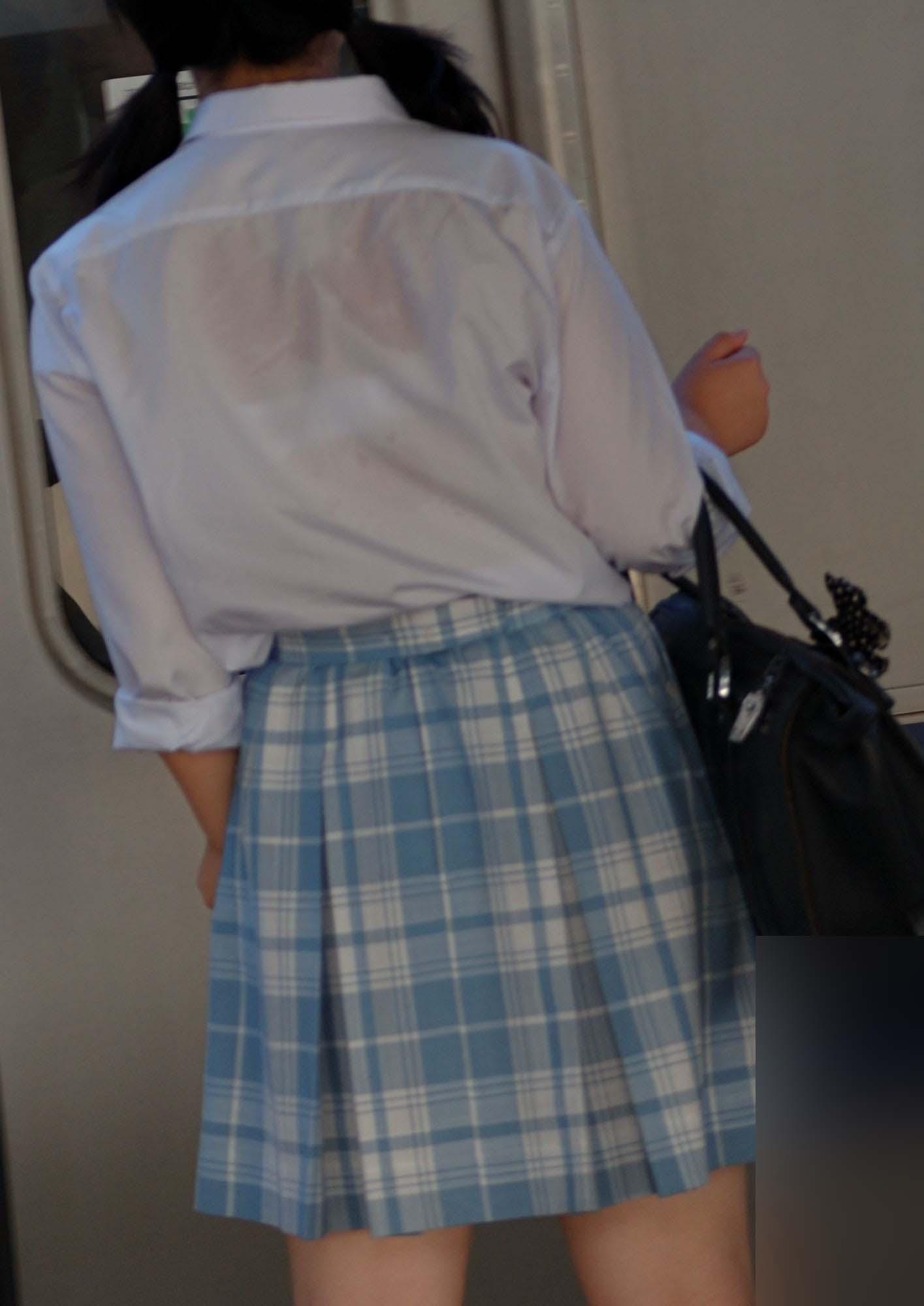 【透けブラエロ画像】指摘したらどんな顔してくれるだろうwwwブラウスやシャツ越しに見える魅惑の透けブラ  04