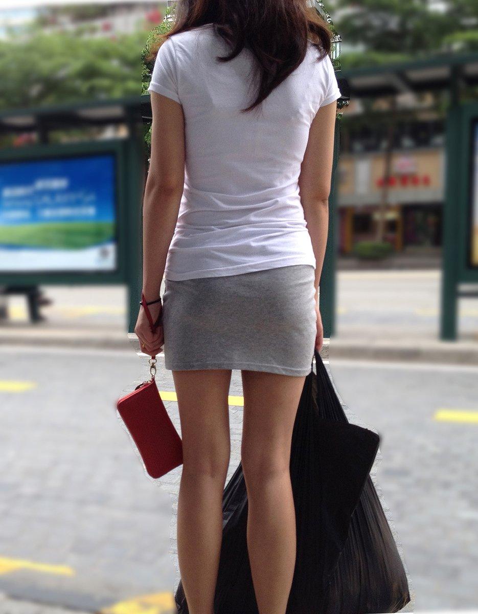 【着衣尻エロ画像】場合によっては下着以上に気になるブツもwww街角ミニスカ着衣尻  05