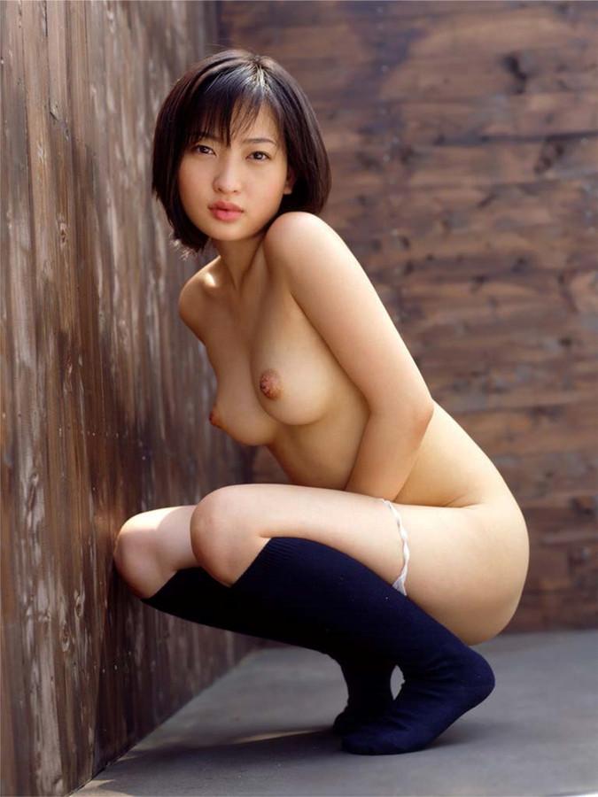 【美乳エロ画像】本当に美乳と呼べる綺麗なおっぱいは見るだけで抜けてしまえるねwww  08