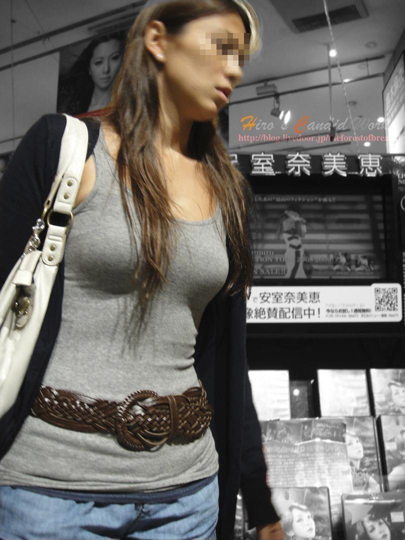 【街撮り着衣巨乳エロ画像】油断してたら勃起して汁も出そうなほど危険レベルの街角の着衣巨乳www  06