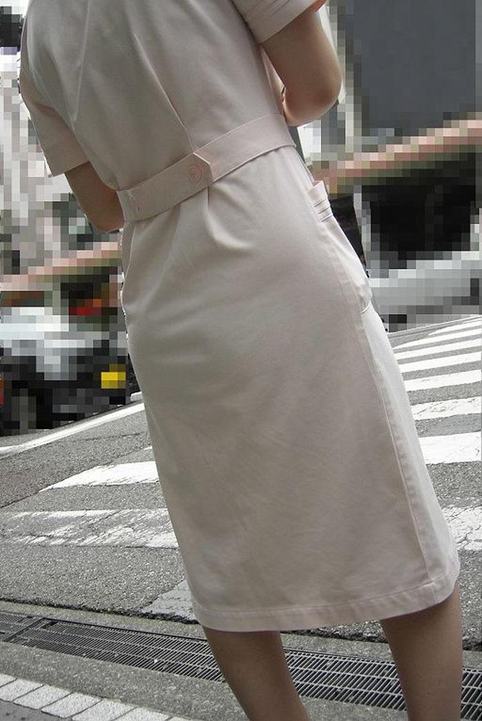 【街撮り働く女性エロ画像】病院の外で制服姿のナースを見た瞬間、何故か灯る期待感www  02