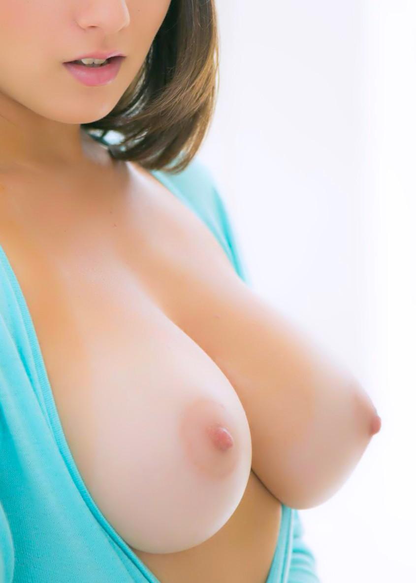 【女体エロ画像】エロすぎる巨乳裸体…メチャクチャに襲ってやると息巻いても実際はヘタレますwww  09
