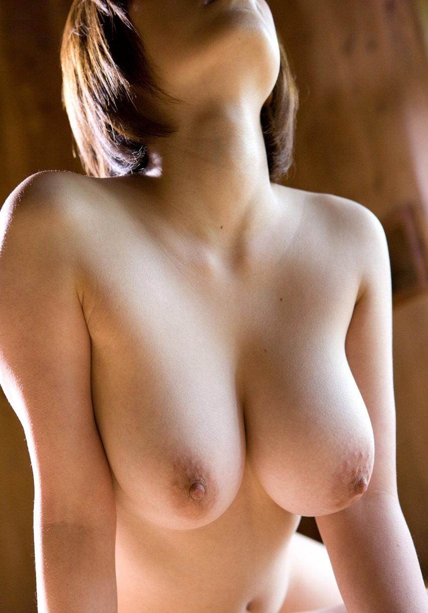 【女体エロ画像】エロすぎる巨乳裸体…メチャクチャに襲ってやると息巻いても実際はヘタレますwww  13