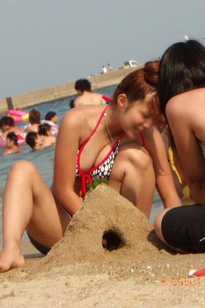 【水着エロ画像】ビキニギャルに会うために今年は海行き決定!まだ勃起耐性ないけどwww  09