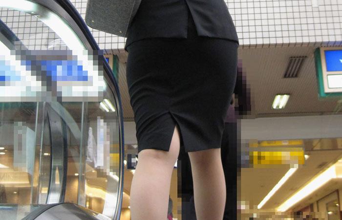 【就活女子エロ画像】企業周り中のリクスーJDたちの、歩きすぎてパンパンになった脚の魅力www  001
