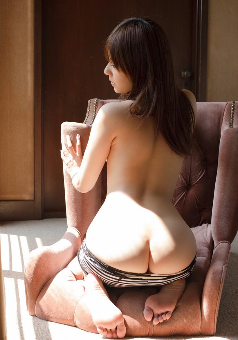 【美尻エロ画像】美味しそうな脱ぎたてのお尻…かぶりつけばどんなイヤらしい汁を出してくれるやらwww  18