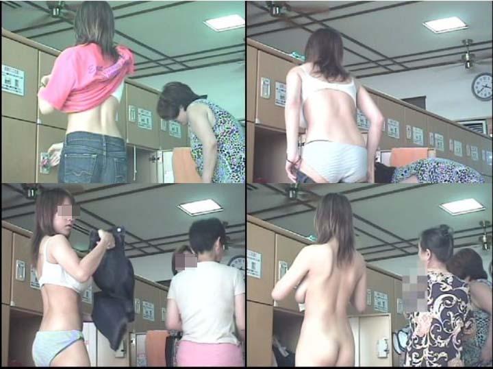 【盗撮エロ画像】危険な分だけ見返りも…抜ける女体揃いな風呂・脱衣所の隠撮画像  17