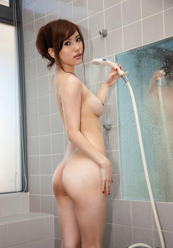 【お風呂のエロ画像】体を洗いながら少し遊んでいる女の子の入浴タイムに潜入!  07